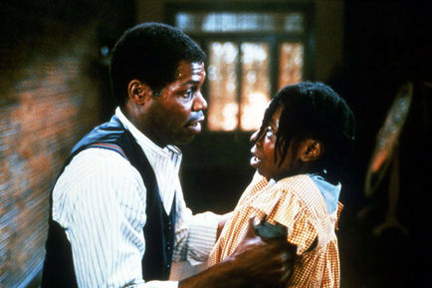 Danny Glover, again, having trouble with his partner.